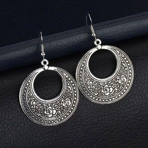Jewelry - Antiqued Silver Boho Circle Dangle Earrings